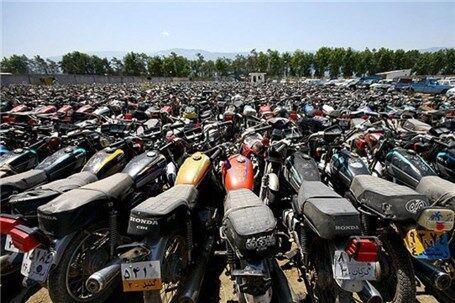 خبرنگاران شهروندان تهرانی برای ترخیص موتورسیکلت به دفاتر پلیس
